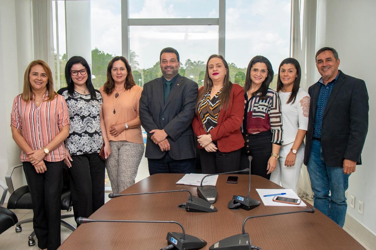 Integrantes da Comissão do CRO-MA de Odontologia Hospitalar e PNE, se reuniram com o Dep. Adelmo Soares